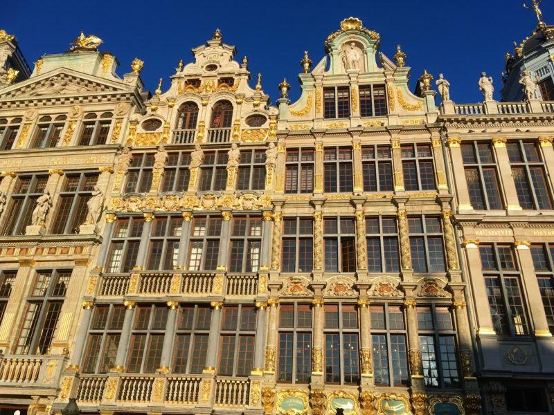 Ranní náměstí Grande-Place v Bruselu