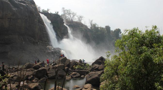 Romantické vodopády Athirappilly v jižní Indii