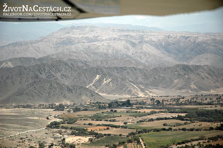 Nazca Lines - okolní krajina kolem města Nazca