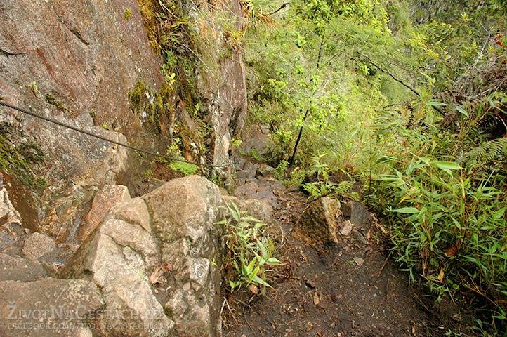 Huayna Picchu - jeden z mnoha úseků při výstupu nahoru