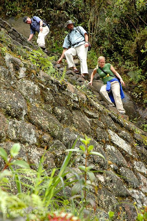 Huayna Picchu - takto příkré schody vás budou čekat na samém vrcholu