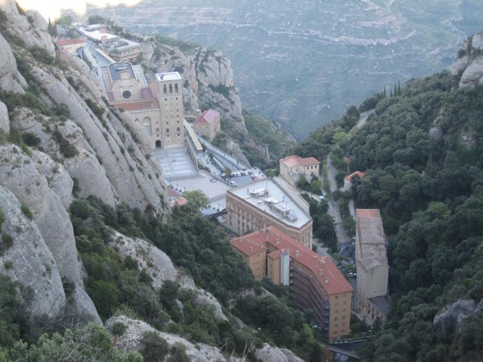 Montserrat - poutní místo věřících a ráj horolezců.