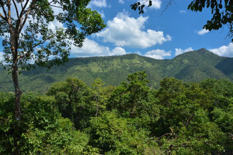 Vyhlídka po cestě do 7., nejvyššího stupně, národního parku Erawan.
