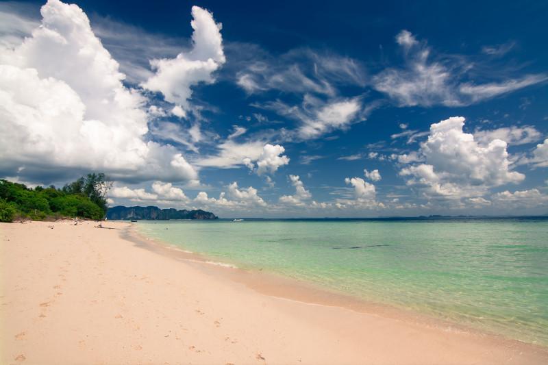Pláž na ostrově Ko Poda, Thajsko