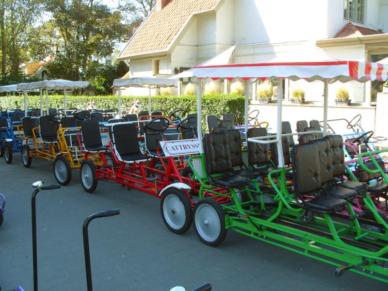 De Haan - jedna z mnoha půjčoven šlapacích vozíků