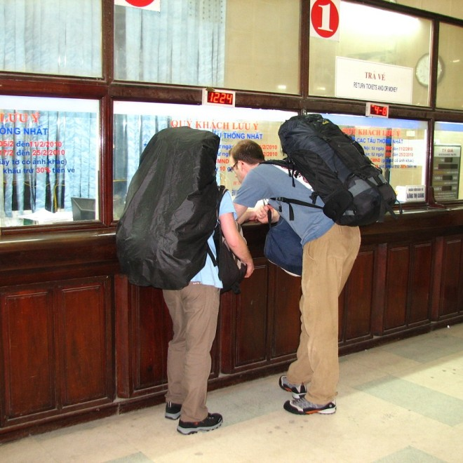 Nákup jízdenek na hanojském nádraží