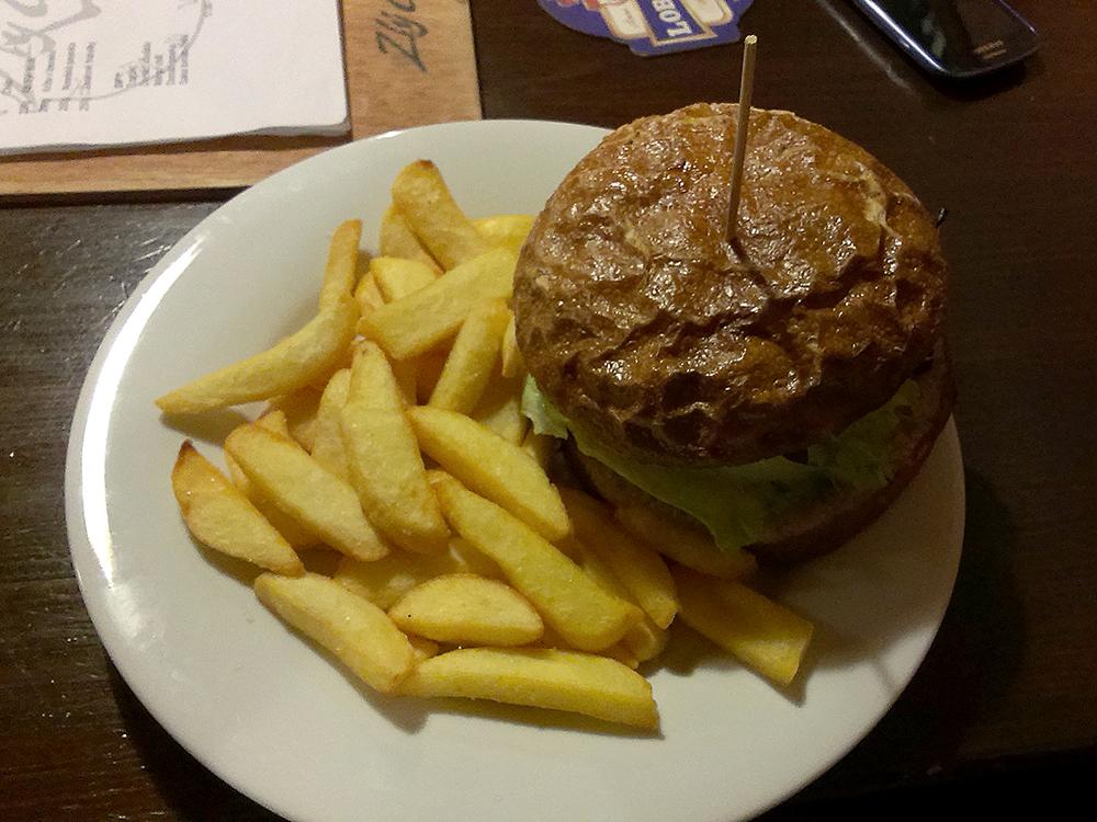Zlý časy burger umí