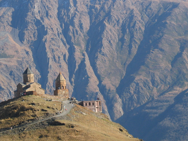 Kostel Tsminda Tsameba nad Kazbegi.