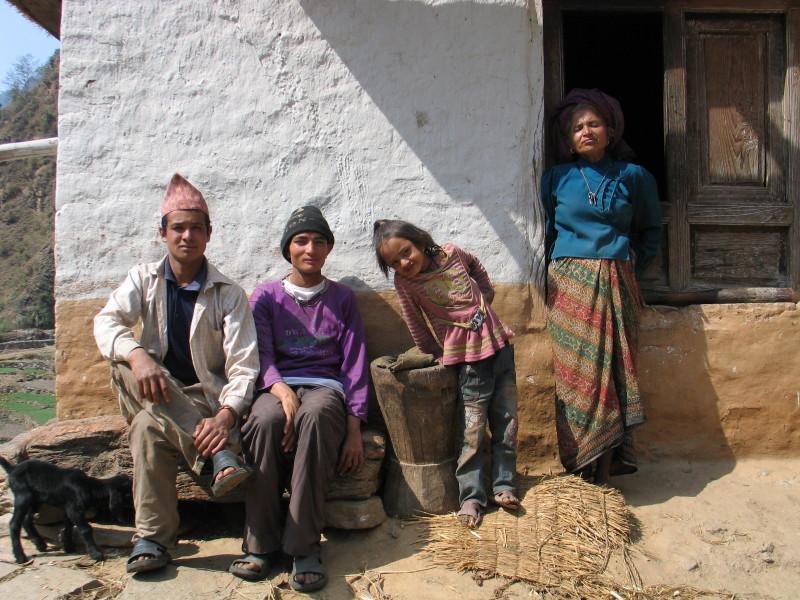 Rodinné foto, oblast Solu, Nepál.