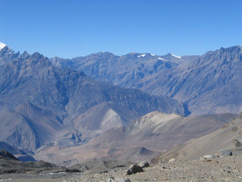 Pohled z Thorung La do Mustangu.