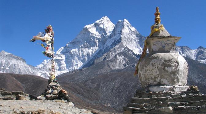 Buddhistické stúpy v okolí Pheriche.