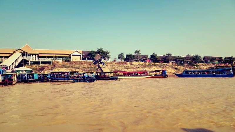 Přístav pro lodě, Tonlé Sap, Kambodža