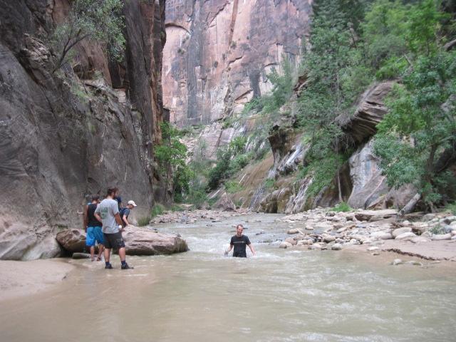 Zion, mokrá cesta, potok