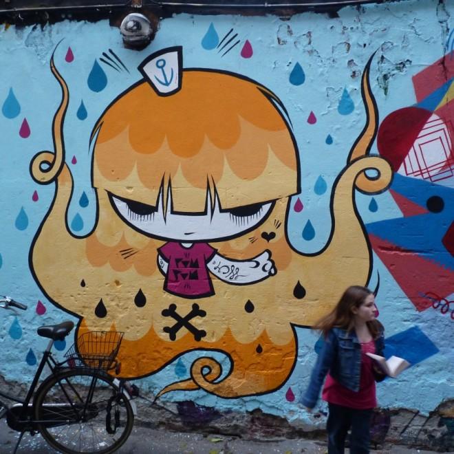 Hackescher Markt graffiti