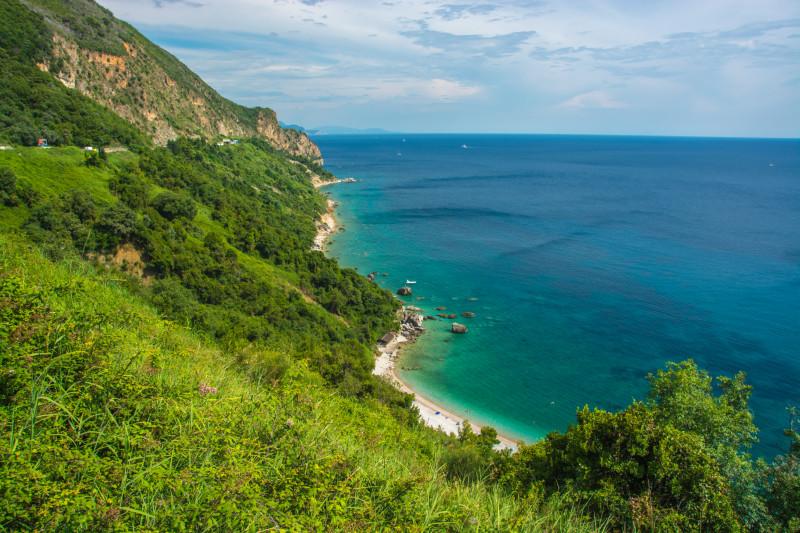 Zmapovali jsme krásné pláže v Černé Hoře, kam můžeme společně někdy vyrazit za koupáním.