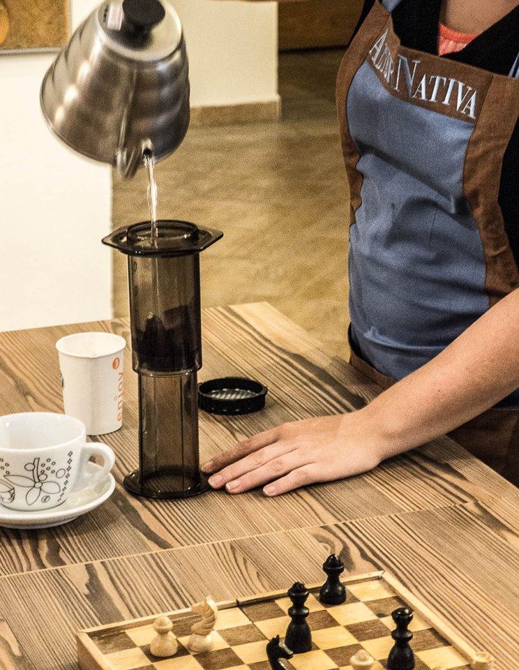 AeroPress. Kavárna Alternativa, Opava.