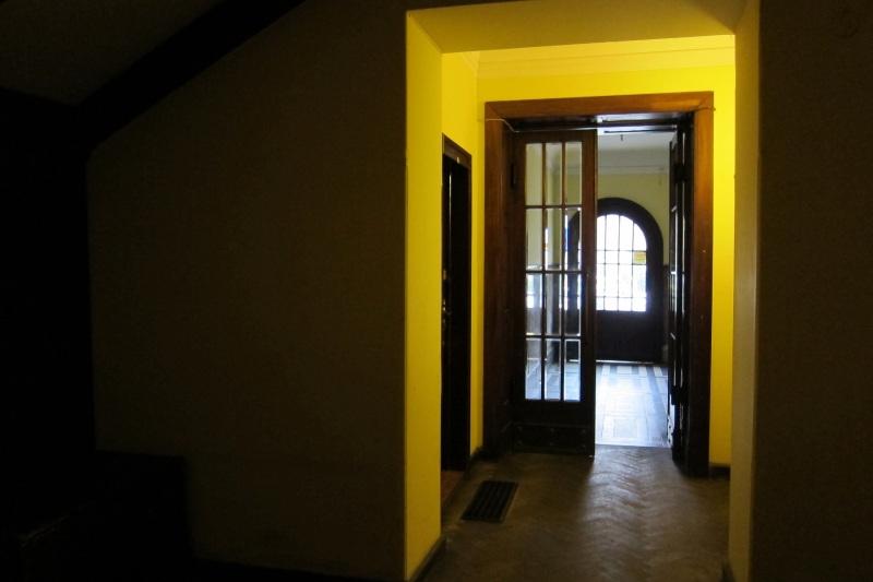 Vstupní prostory domu, v němž se hostel nachází