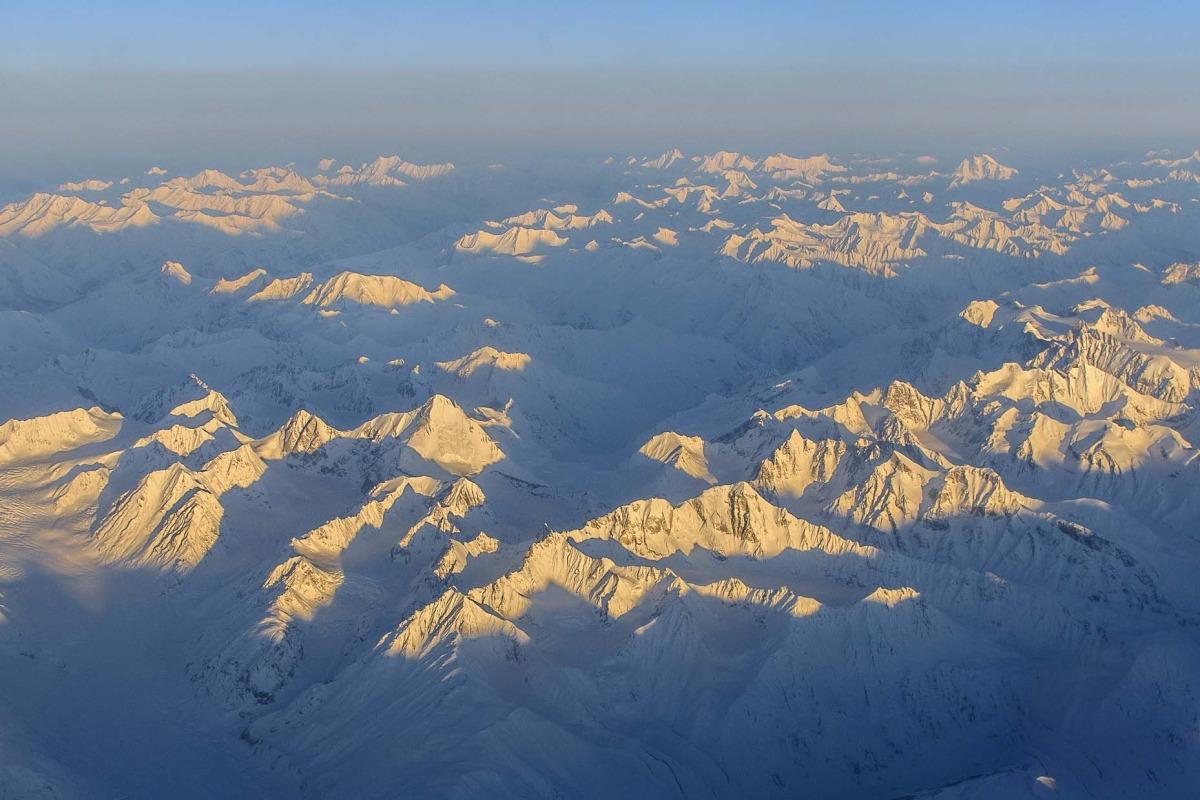 Východ slunce při přeletu Himalájí