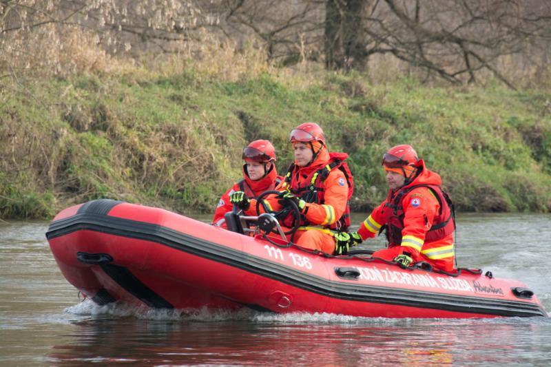 Posádka člunu záchranářů, se kterou jsem sdílel člun a ze kterého jsou pořízeny další fotografie.