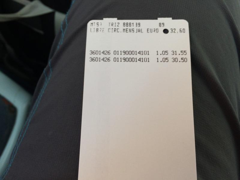 Při každé jízdě vám automat v autobuse nebo tramvaji zaznačí jízdu a odečte z vašeho kreditu nějakou částku a zobrazí zbývající kredit.
