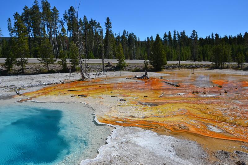 Hezký pramen v národním parku Yellowstone.