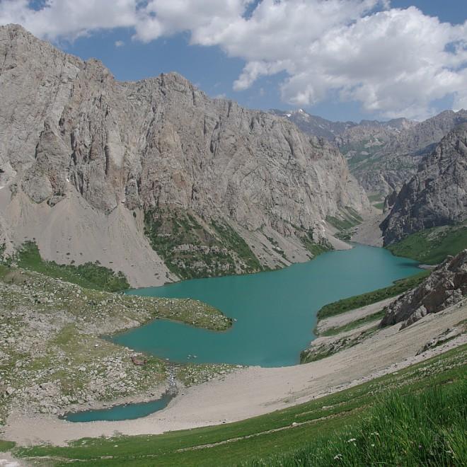 horské jezero, Kyrgyzstán