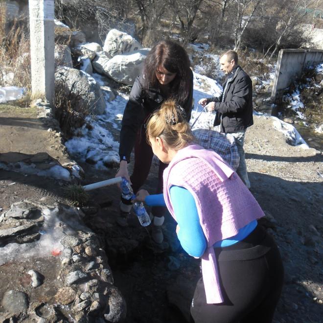 Pramen vody z Velkého Almatinského jezera