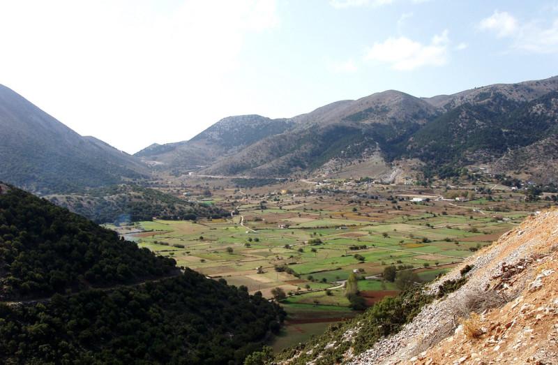 Cestou z Rethymna na Chaniu, Kréta, Řecko.
