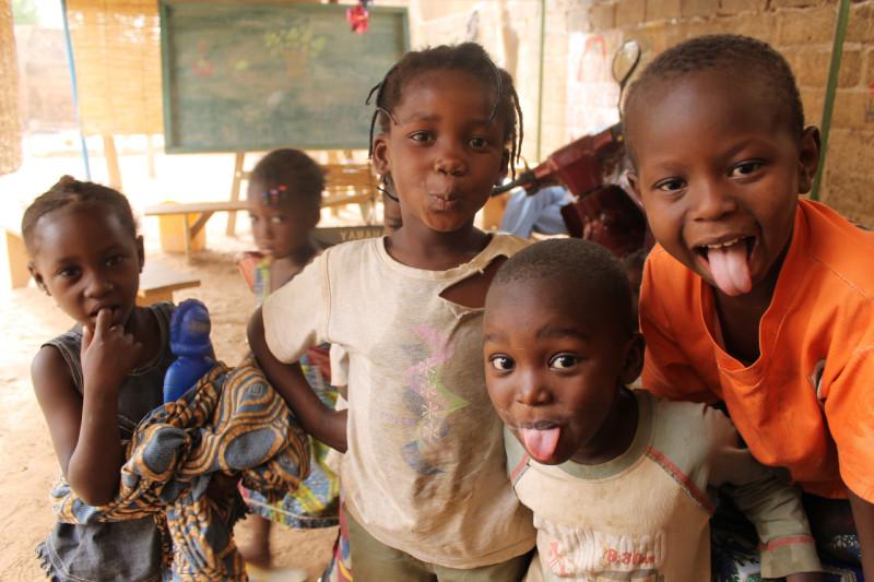Děti ze slumu v Ouagadougou