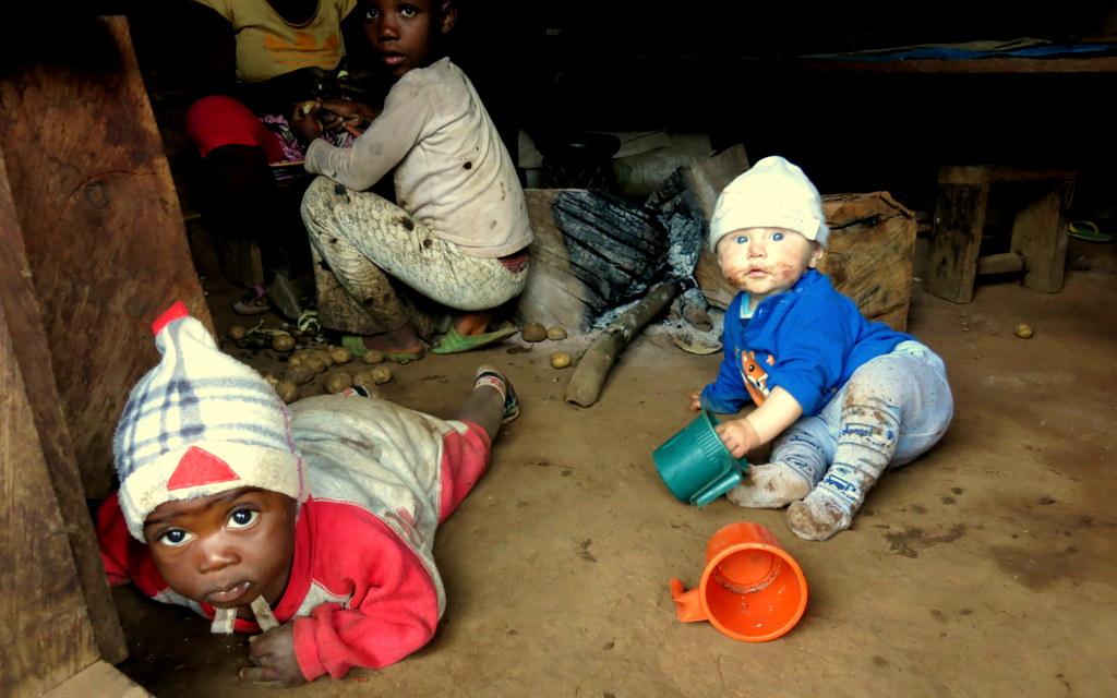 Afrika, cestování, Kedjom Keku, dobrodružství, škola v mlze, Kamerun, Deštný prales