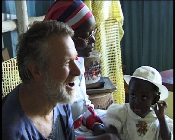 Jaromír Štětina - V kostele ve slumu Lunga lunga v Nairobi
