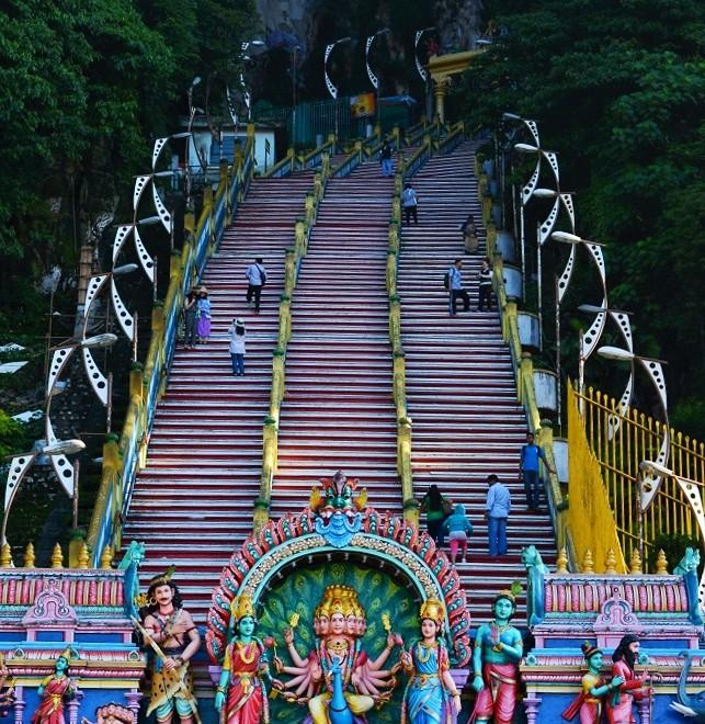 Batu Caves - hlavní schodiště, Kuala Lumpur, Malajsie