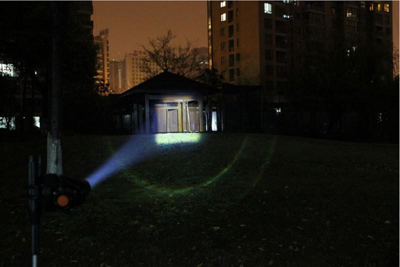 Travel Light - ŽivotNaCestách.cz, LED baterka, 2000 lumenů - nejdelší ohnisko