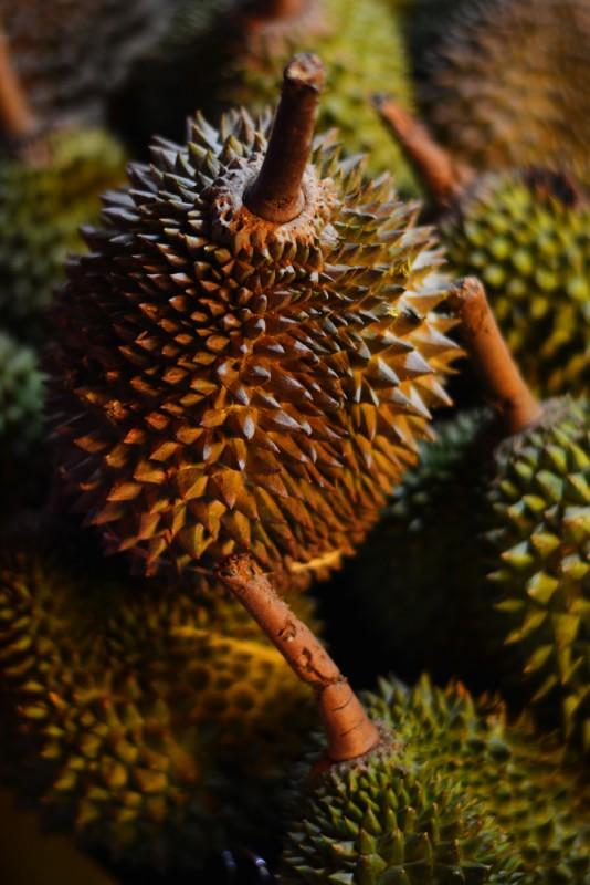 Kuala Lumpur, Malajsi - Durian - extra drahé ovoce s odérem.