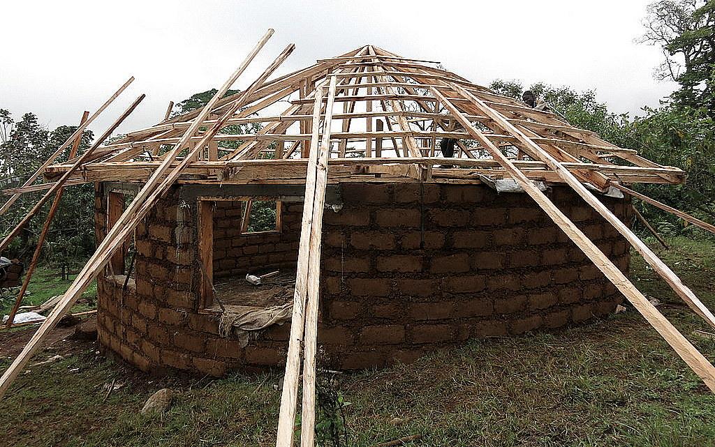 kedjom-keku, Afrika, Jak zbohatnout, cestování