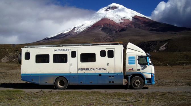Když netradiční hotelbus v Bolívii doprovází vojáci aneb 21 NEJ cestovatele Boba Stupky