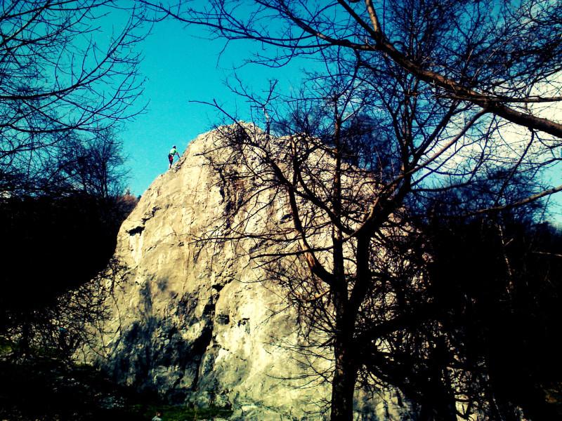 Skalní útvar Váňův kámen ve stejnojmené přírodní památce je oblíbeným cílem lezců.