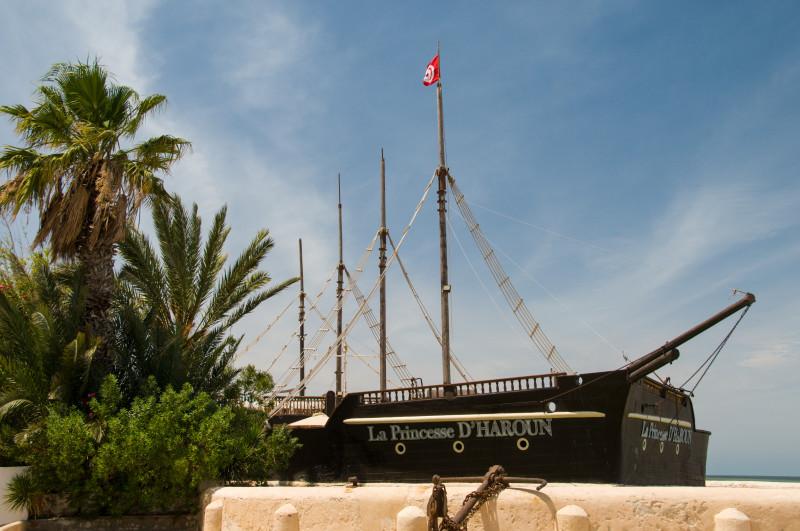 La Princesse D'HAROUN je skvělá restaurace na Djerbě, kterou bych milovníkům dobrého jídla a pití rozhodně vřele doporučil navštívit!