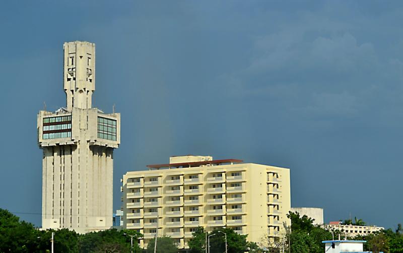 Moje cesta Kubou – 2. část (1. den) – Návštěva dvou z nejkrásnějších měst na Kubě – Matanzas a Havany. Bývalé sídlo velvyslanectví Sovětského svazu.