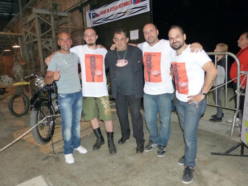 Na Jawě napříč Jižní Amerikou ve stopách Čechů – Argentina. Motorkáři Rosario.