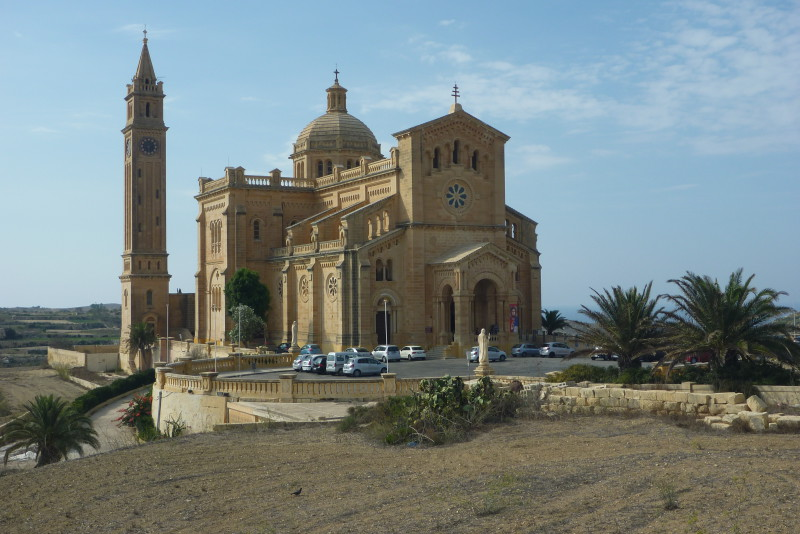 Na Maltě je více než 300 kostelů a festa se tak slaví téměř denně.