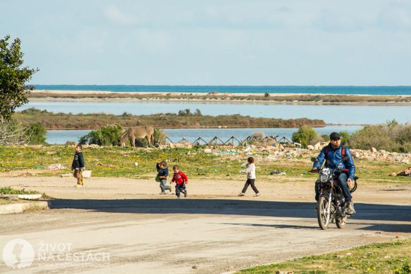 Fotoreport z cesty napříč Tuniskem – Vesnice Maamoura u Nabeulu