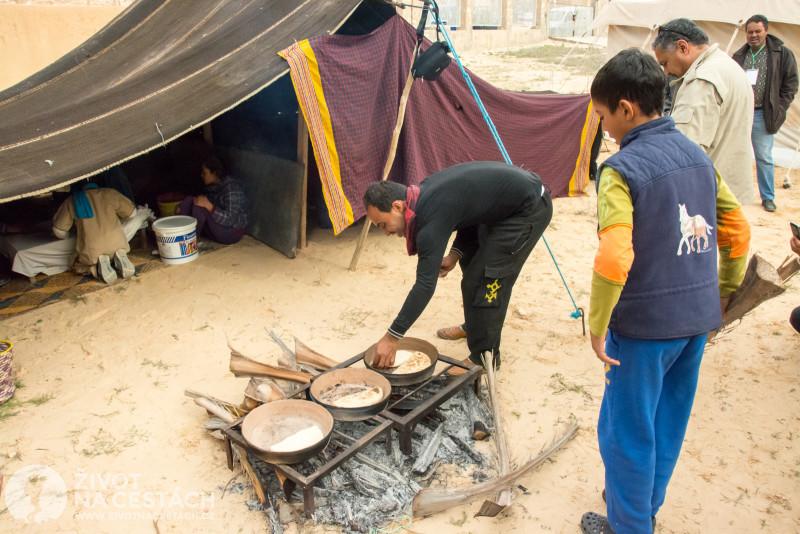 Fotoreport z cesty napříč Tuniskem – Příprava tradičních berberských dobrot.