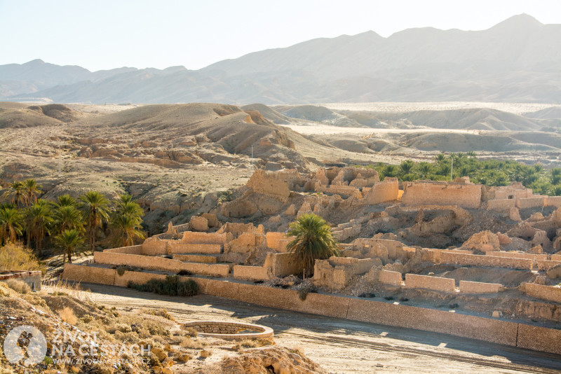 Fotoreport z cesty napříč Tuniskem – Město zničené povodní v oáze Chebika.