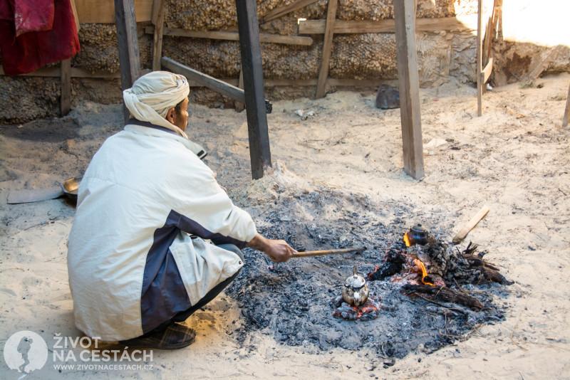 Fotoreport z cesty napříč Tuniskem – Takovému výtečnému čaji nešlo odolat.