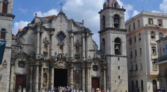 Moje cesta Kubou – 5. část (Havana – Plaza de la Catedral a Plaza de Armas)