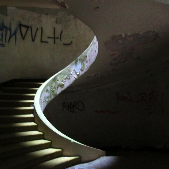 Schodiště opuštěného Monte Palace