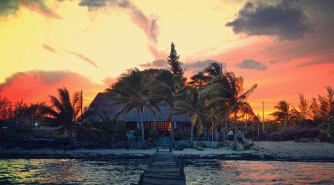 I, Cycleast aneb Filosofická cesta do nitra duše Matěje Balgy – Znovu na Jih (díl 7.) Nádherný západ slunce v Cancunu, Mexiko.