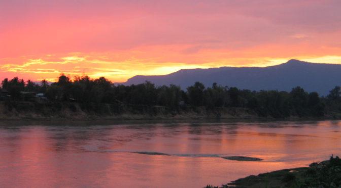 Přes Kravské lejno k Mekongu, Laos