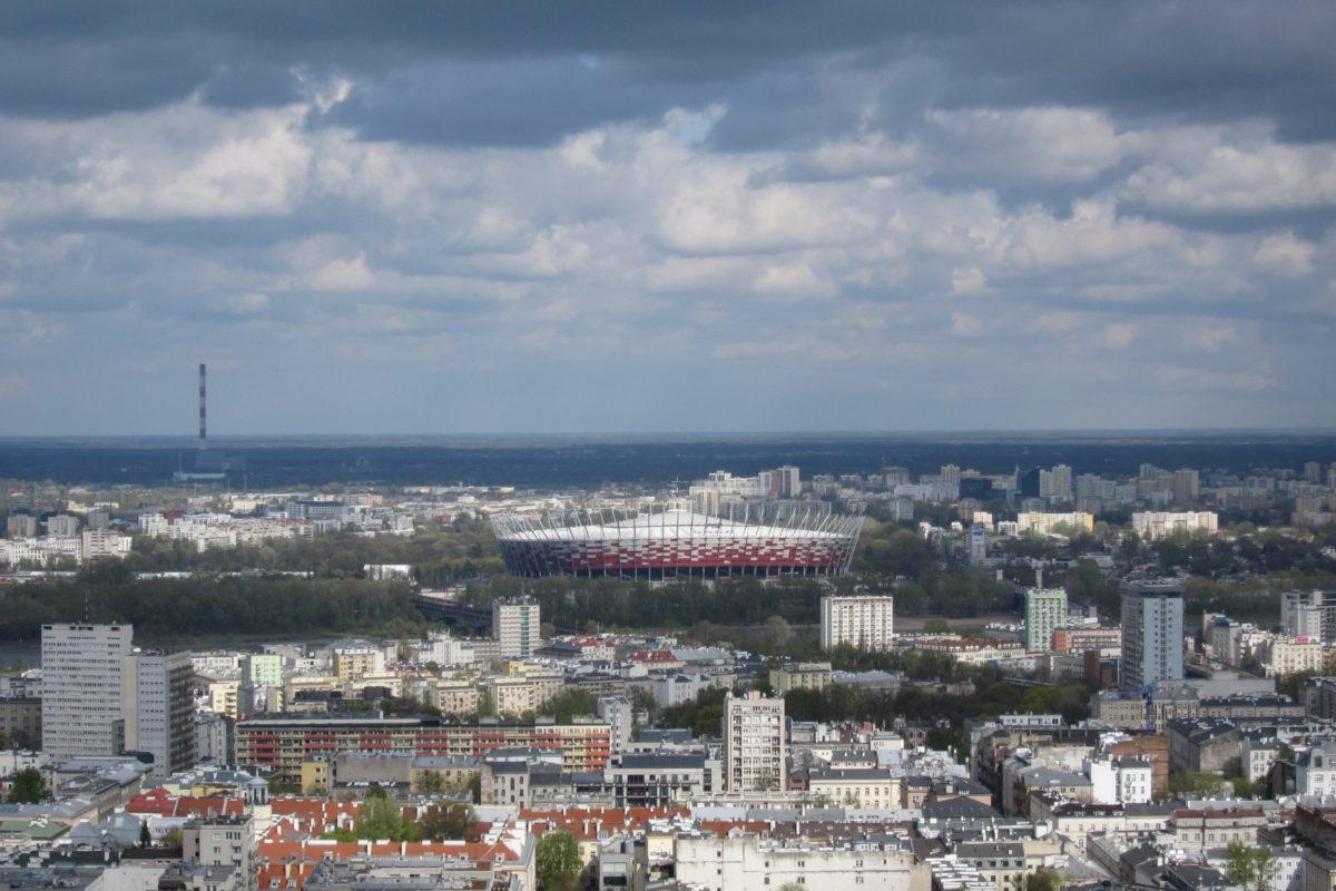 Pohled z vyhlídkové terasy, v pozadí Národní stadion